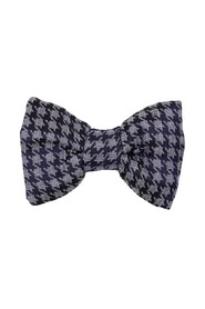 Bow tie with a houndstooth pattern