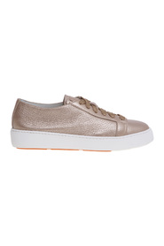 Laminated tumbled leather sneaker