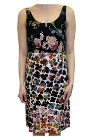 Floral print fitted midi dress