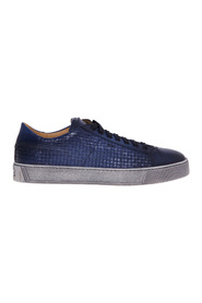 Sneaker in buffered supersoft leather with interlacing print