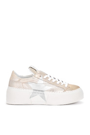 Mimosa sneaker with silver star