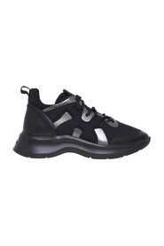 H585 Sneakers