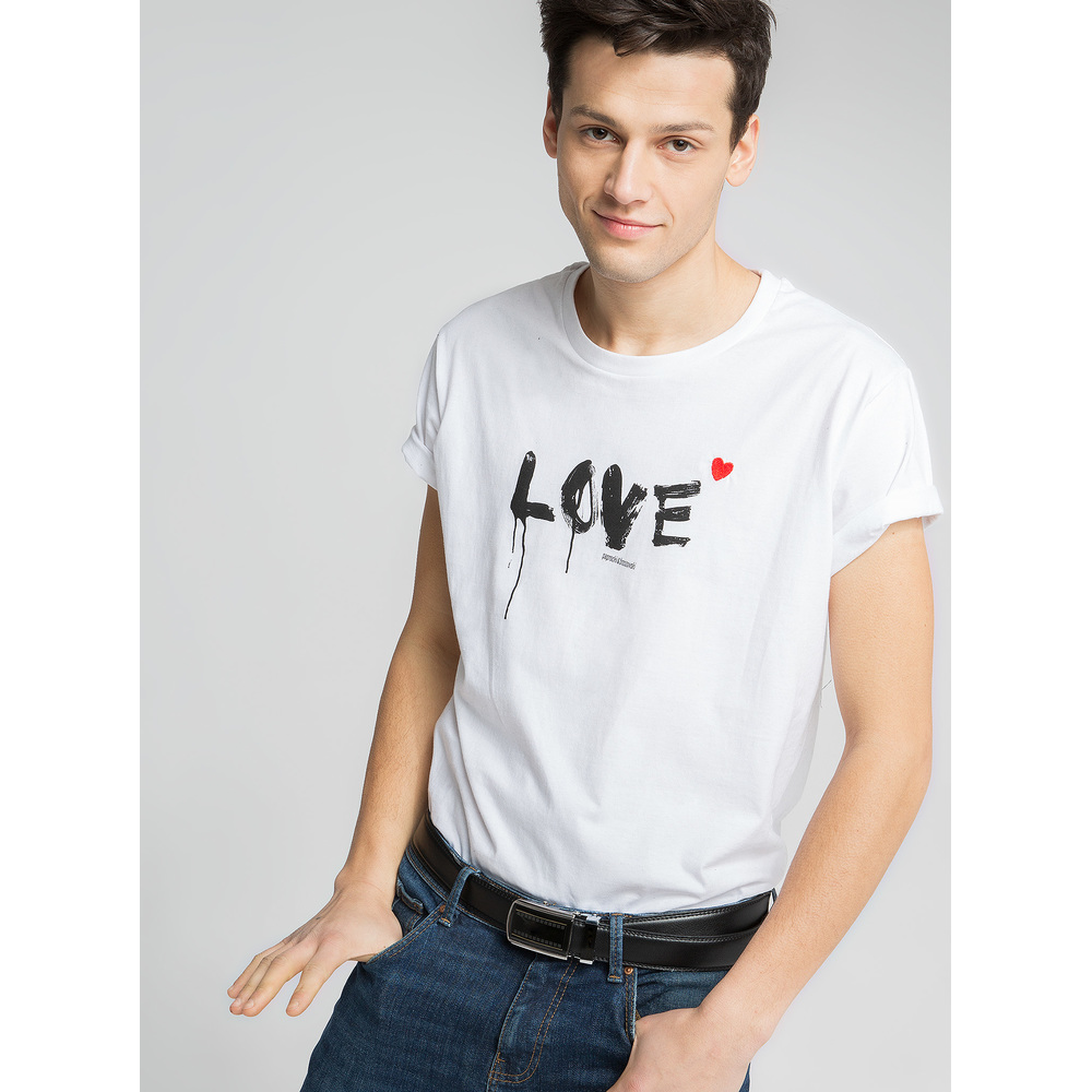 t-shirt brush love boy