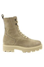 6114 Boots