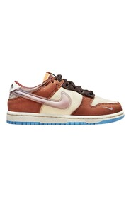 Dunk Low Social Status Free Lunch Sneakers