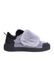 Suede sneaker with fur