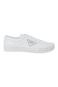 Flat shoes Sneakers