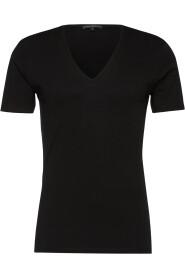 520010 1000 FINN t-shirt