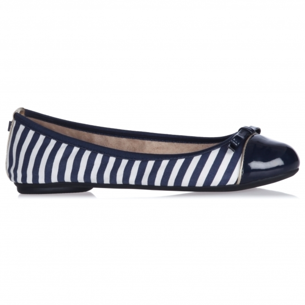 Butterfly Twists Cara Navy/White Ballerina Skor