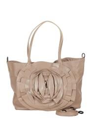 Käytetty Petale Leather Shoulder Bag