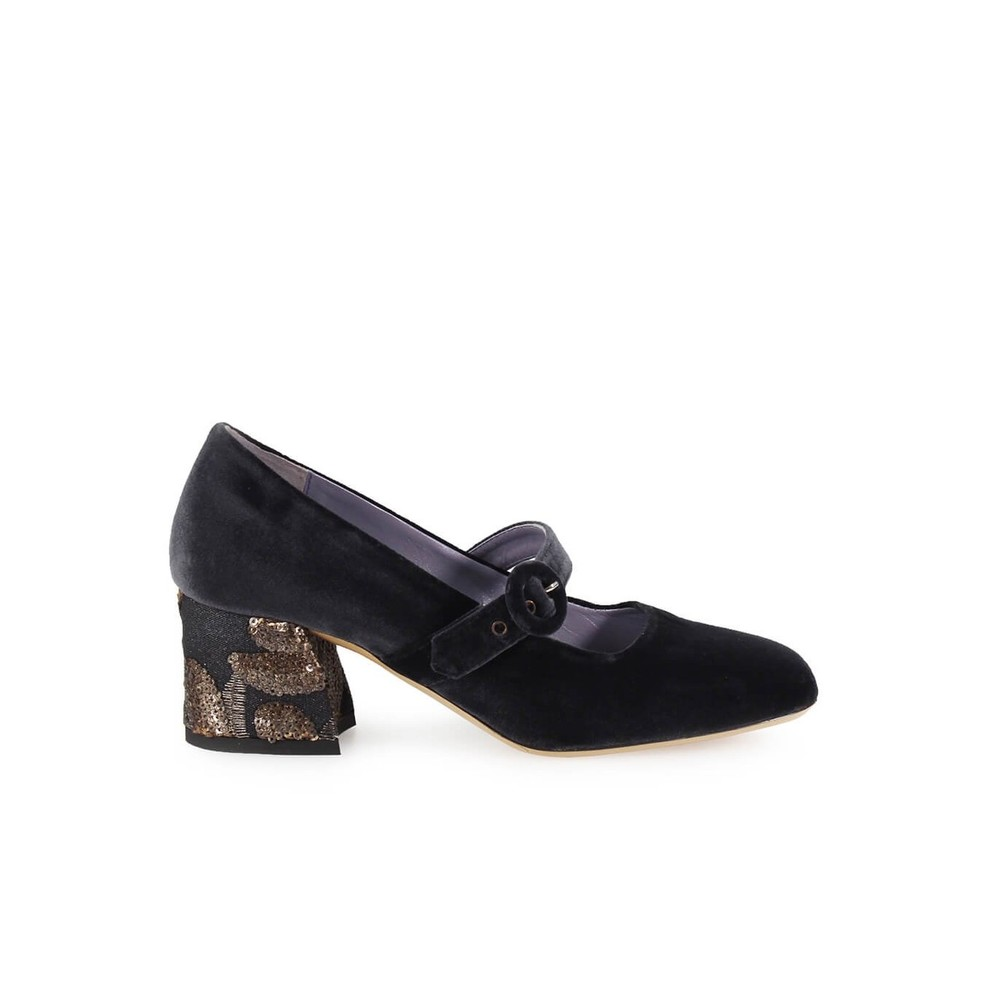 VELVET PUMPS WITH EMBROIDERED HEEL