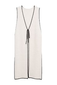 Gilet with side opening
