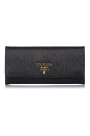 Vitello Move Wallet on Chain Leather Calf