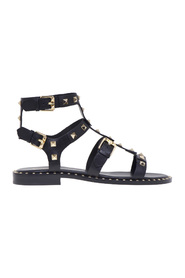 Flat ash sandal in leather with pyramid studs