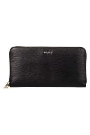 Wallet Bryant
