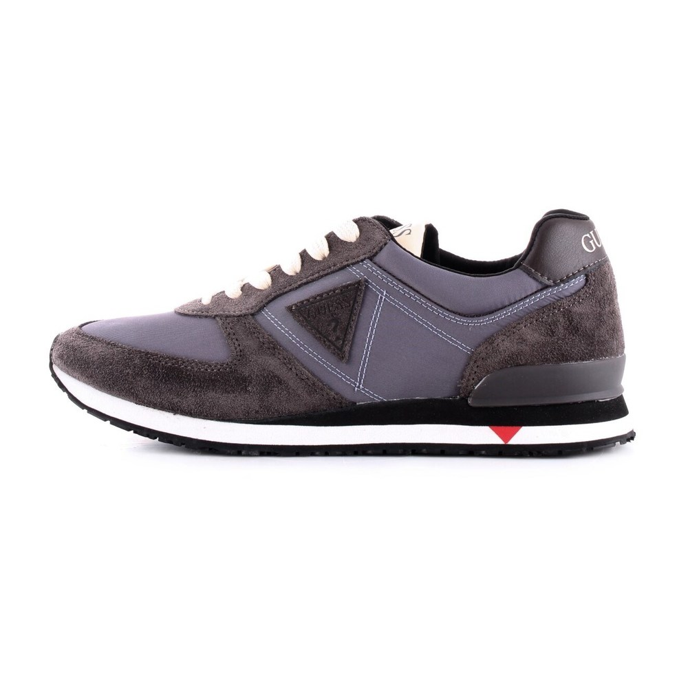 GUESS FM7CHTSUE12 Trainers Men GREY