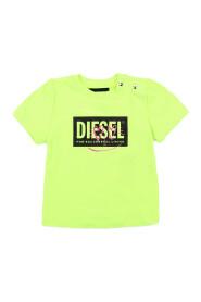 K00018-00YI9 T-shirt
