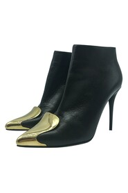 Metal toe ankle boot