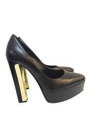 Closed Toe Pumps with Heel