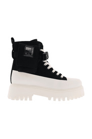 Groov-y Canvas Boots