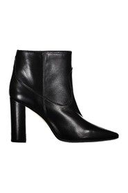 Leather pointed ankle boot