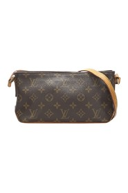 Monogram Canvas Trotter