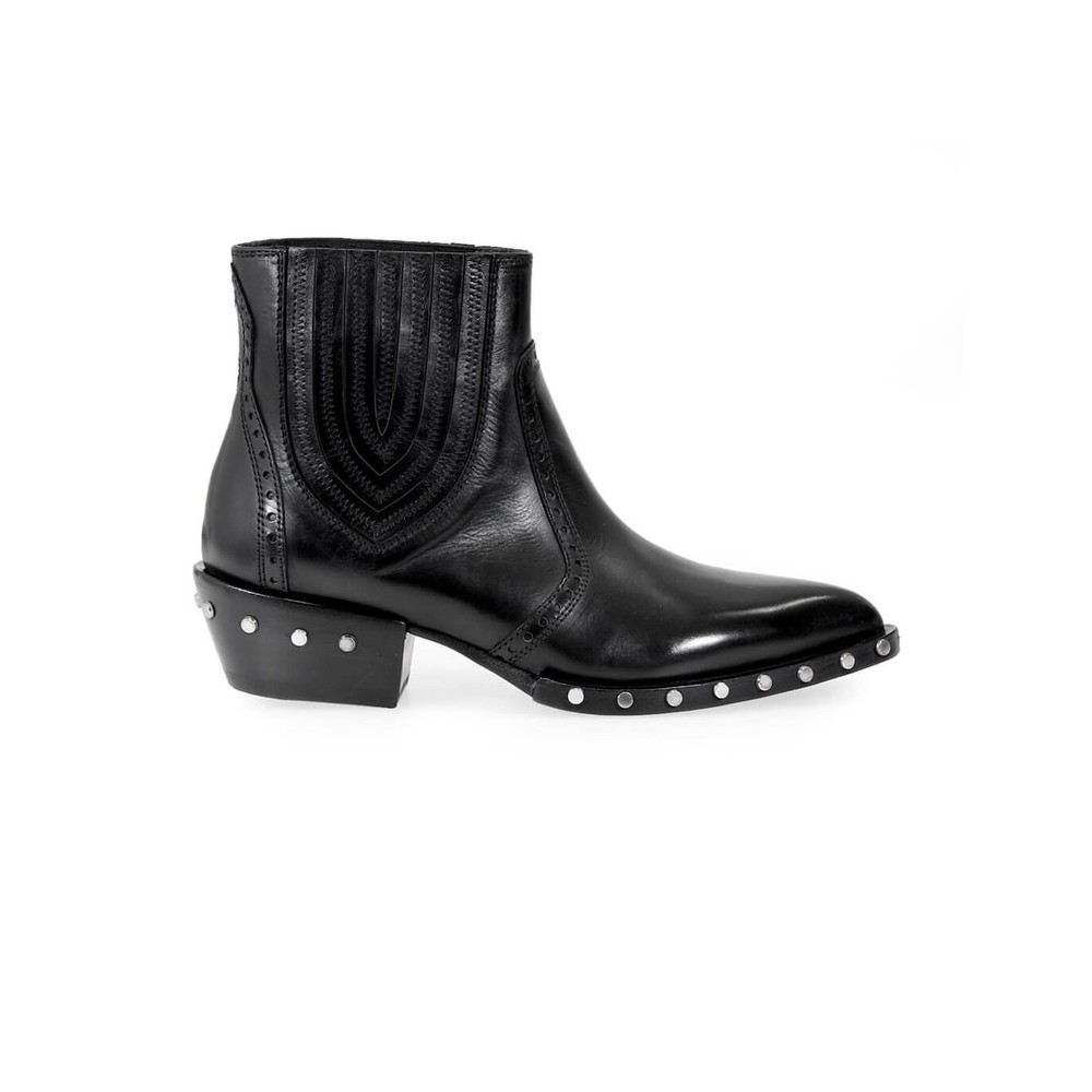 BD0630 STUDDED ANKLE BOOT