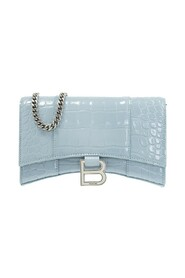 Hourglass wallet with chain