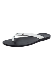 Brukte Leather Thong Sandals