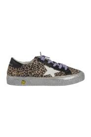 Sneakers in leopard patterned