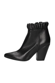 NIKY60 boots