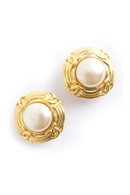 Classic pearled clip earrings