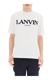 T-shirt logo embroidery