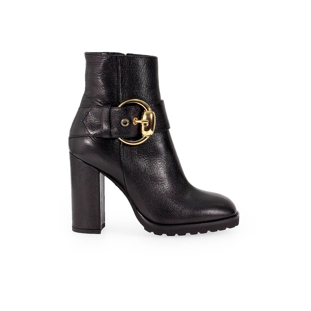 LEATHER HEELED BOOT WITH BUCKLE