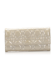 Cannage Patent Leather Long Wallet Leather Patent