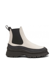 Trail Chelsea Boots