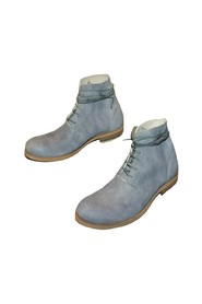 HOLE LEATHER BOOTS