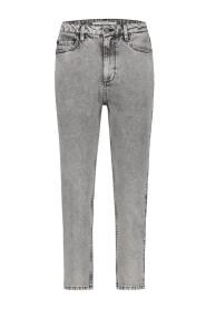Non stretch straight jeans