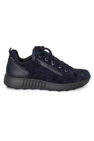 16 Sneakers