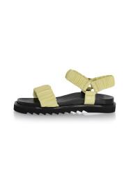 2752 076 sandals