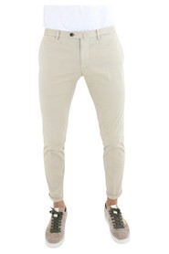 Stretch cotton trousers.