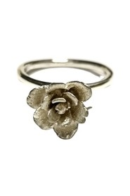 Rose flower ring