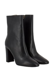 Ankle boots with 8.5mm thick heel