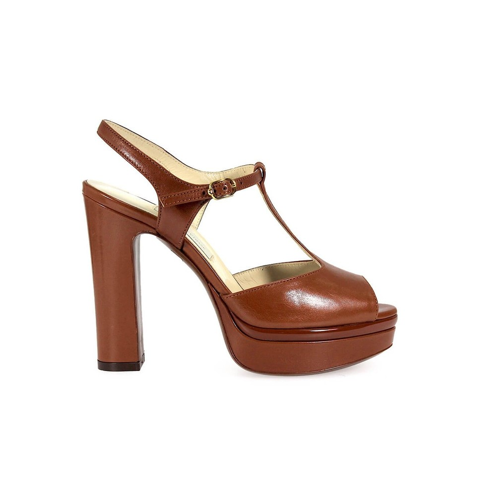 CHOSE LEATHER HEELED SANDAL