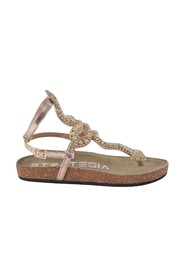 Thong sandals with copper sculpture