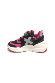 8890 sneakers
