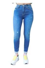 Jeans super stretch con strappi