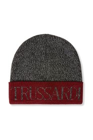 HAT WITH LETTERING LOGO
