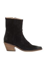 Naomi Boots