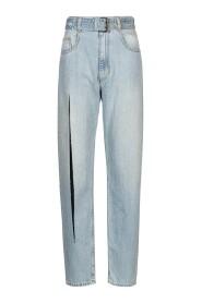 Jeans mit langem Beinschlitz